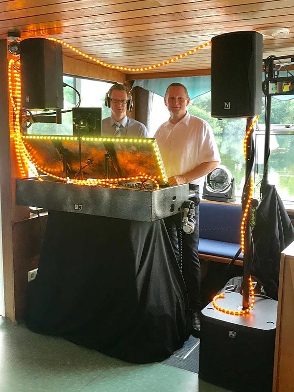 Salonschiff Aurora Geesthacht Partyfahrt mit Soundsystem