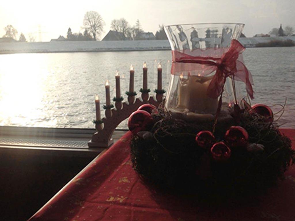 Adventsfahren auf der Elbe mit Salonschiff Aurora Geesthacht