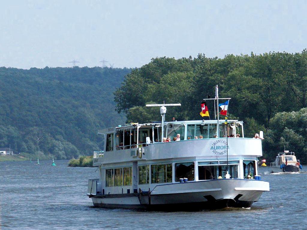 Salonschiff Aurora Geesthacht Charterfahrt auf der Elbe